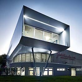 Goldhauben-Webe Linz, Austria, Architekturbüro Klinglmüller ZT KG, <br> © Goldhauben Webe