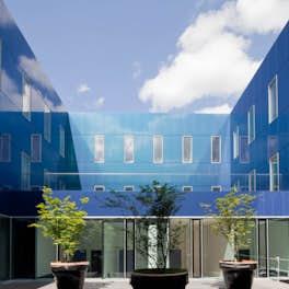 Marne-La-Vallée Hospital Centre Marne, France, Brunet Saunier Architecture, <br>© Brunet Saunier