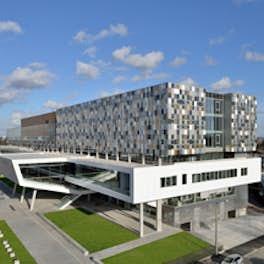 Ecole de commerce Kedge, France, arsene henry triaud / moon architecture/ ragueneau et roux, © Atelier positif / D. Bonrepaux